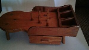 VINTAGE SMALL WOOD SEWING HOLDER $11.95