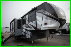 Heartland Cyclone 3600 Toy Hauler Fifth Wheel Camper RV - Price Won't Last!!