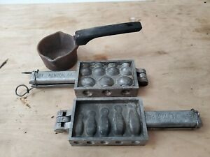 VINTAGE TWO MOLDS OF FISHING SINKERS & WEIGHT WITH MELTING POT