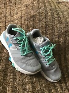 UNDER ARMOUR PRIMED shoes for girls US size 7Y 7 Youth Silver Grey Gray Blue