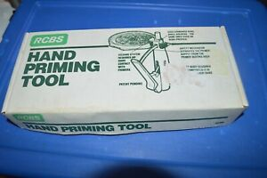 #616  NICE!!! RCBS HAND PRIMER TOOL & TRAY WSMALL & PRIMER RODS