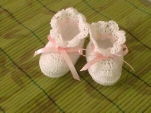 Crochet Baby Shoes Baby Booties Doll Shoes Booties White with Pink Ribbon $5.00