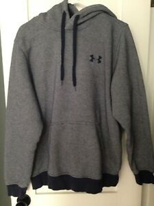 Men's Under Armour Hooded Sweatshirt Size L Navy Blue $9.50