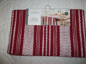 NWT'S TARGET THRESHOLD HOLIDAY RED/WHITE TABLE RUNNER 14 X 72