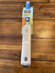 Tasty Handheld Grater Brand New Blue Soft Grip Rubber Handle Dual Size Blades