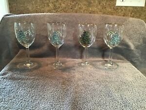 Luminarc Christmas Wine Glasses Tall Set of 4 X Mas Tree w gold trim