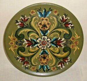 NORWEGIAN ROSEMALING 8 INCH WOOD PLATE SIGNED FOLK ART WINNIE '77