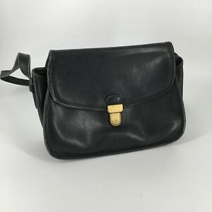 vintage pre owned well loved crossbody leather Coach Purse
