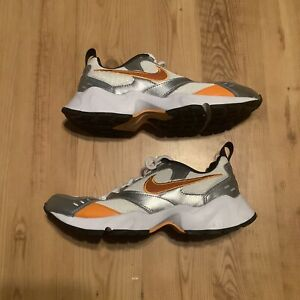 nike womens running shoes size 8 $20.00