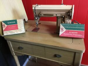 Singer Sewing Machine Table Model with Zig Zag Option Pickup Ft. Lauderdale $495.00