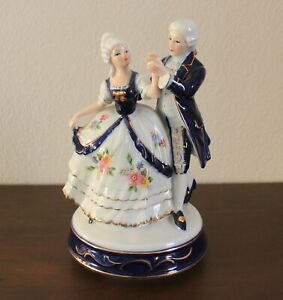 VINTAGE VICTORIAN OR COLONIAL DANCING COUPLE 8 1 2quot; MUSIC BOX COBALT amp; WHITE $14.95