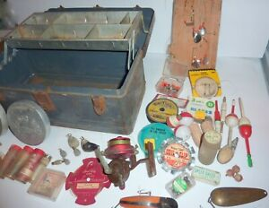 Vintage Tackle Box Loaded with Old Lures and Tackle Rare Marblehead Reel C PICS