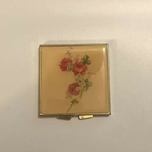 Compact Travel Sewing Kit. Complete. Floral Enamel Gold Tone. Vintage. $19.00