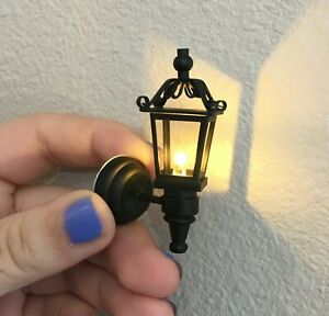 1:12 Scale Dollhouse Miniature Sconce Carriage lamp LED Exterior Light Battery $16.80