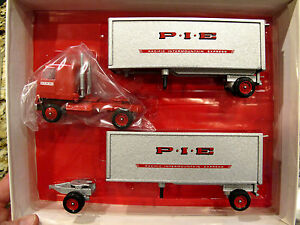 pie doubles winross tractor trailer diecast