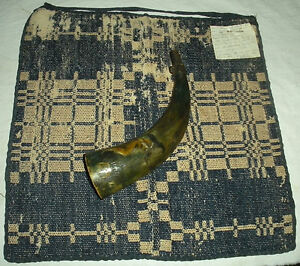1750–1830 COVERLET & POWDERHORN BELONGED TO A WOMAN CAPTURED BY INDIANS vafo