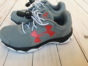 Under Armour Boy's Sneakers Size 11
