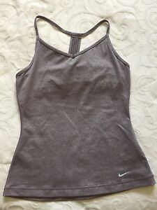 BRAND NEW NIKE DRY FIT T-SHIRT FOR LADIES SIZE S