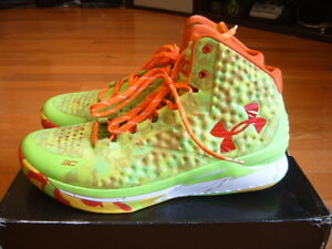 BRAND NEW WITH BOX UNDER ARMOUR CURRY ONE