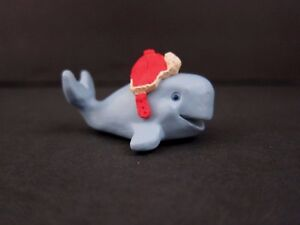 Hallmark Merry Miniatures Baby Whale with Flap Hat 1993 NEW Old Stock QFM8222 $6.25