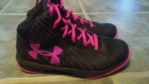 Under Armour Basketball Sneakers Girls Sz 3 youth Black Pink Laces Hi-Top Shoes