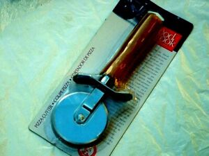 Good Cook Pizza Cutter Stainless Steel Blade Varnish Wood Handle