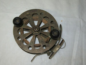 ANTIQUE UNKNOWN UNMARKED  EARLY BRASS SKELETON  FLY REEL OLD FISHING 4 LURE