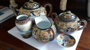 Original handpainted Satsuma 5 pieces Tea and sake Set Signed Meiji period