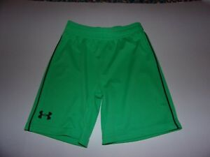 Under Armour: Boys Toddlers 4T Green Shorts  Brand New