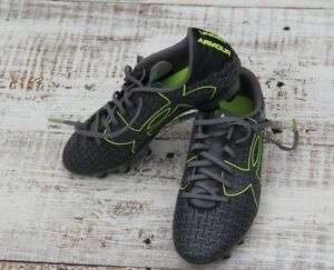 UNDER ARMOUR Boys Girls Youth Sz 5 Youth GRAY Soccer Sneaker Cleats EXCELLENT
