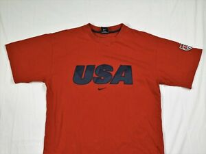 Nike Team USA Red with Navy Blue T Shirt Mens Medium Soccer Badge on Arm Cotton