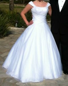 White formal ball gownwedding dress Size 810. Worn for a Cotillion (Organza)