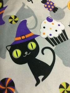 SCRUB TOP SIZES: XS S M L XL 2XL HALLOWEEN CAT NWT TRICK OR TREAT NURSE VET CNA