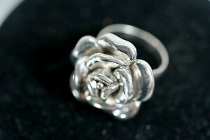 VINTAGE N 925 TH STERLING SILVER ROSE RING AND PENDANT NECKLACE