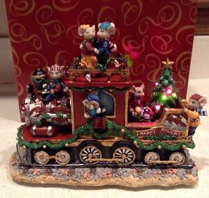 Christmas Mouse Train San Francisco Music Box Company We Wish You a Merry Lights