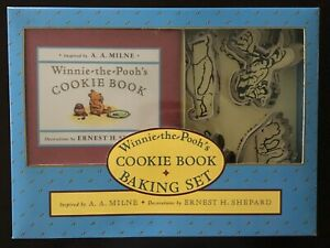 Classic Winnie the Pooh—Baking set, cookie cutters and recipe book