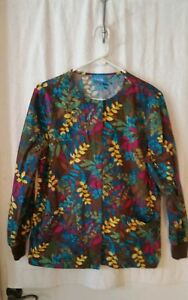 H.Q. SCRUB SMALL MULTI COLOR LONG SLEEVE JACKET EUC