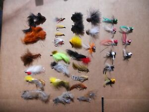 VINTAGE FLY LURE LOT OF 34 FLIES POPPERS  FROG