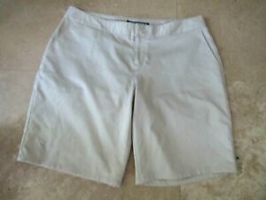 Womens size 12 Under Armour golf shorts