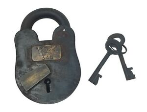 Winchester Firearms Factory 3 x 5 Cast Iron Lock Keys With Antique Finish $39.99