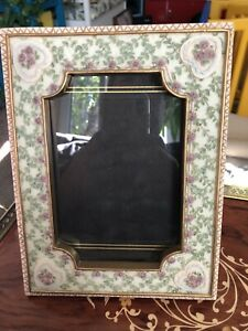 Dezine 3D hand painted 4x6 Victorian Floral themed Photo Frame