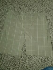 Under Armour Performance Golf Shorts Mens 38 Large Plaid Tan Brown Dri Fit