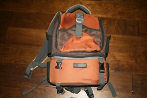 REI Picnic Set Backpack w/ Insulated Compartment, Plates and Cutlery - Orange