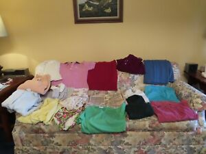 lot of 16 Vintage Womens 1970's clothes sizes s m, pajamas, wrangler