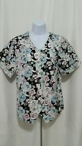 SIERRA SCRUBS SMALL FLORAL BUTTON FRONT SCRUB TOP NEW WITHOUT TAGS