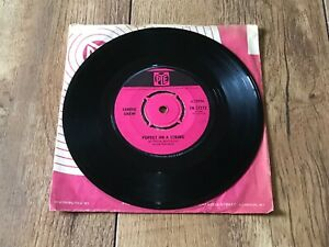 SANDIE SHAW PUPPET ON A STRING : VG UK 7 VINYL SINGLE 7N.17272 PLAYS GREAT