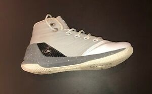 UNDER ARMOUR Girls Kids SC Steph Curry 3 Shoe White Gray $12.99