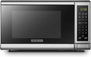 BLACKDECKER Digital Microwave Oven with Turntable Push Button Door 700W
