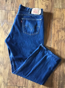"LEVI'S 501 Men's Jeans W44 L32 Button Fly Actual measurements W42"" L29"""