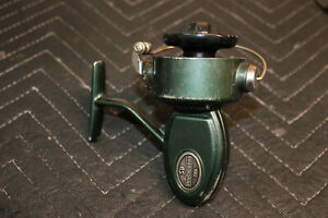 South Bend 730A Fishing Spinning Reel